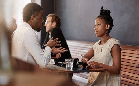 Adopter la bonne communication non verbale pour faire passer un message.